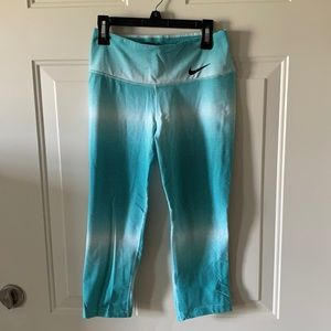 Nike Dry Fit Blue Cropped Legging Size Small